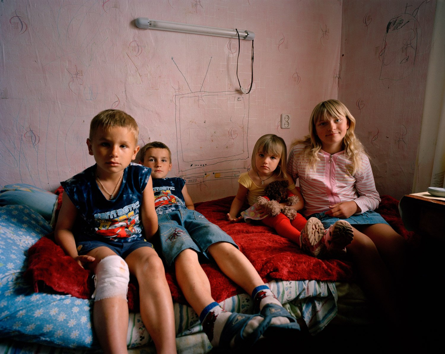 04 - Simon Crofts - Adopted girl with her cousins.jpg
