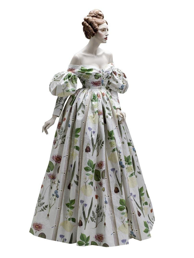 01 - ICON DRESSED, German Early Romantic Evening Gown, 1830,  Justin Hummerston - LR.jpg